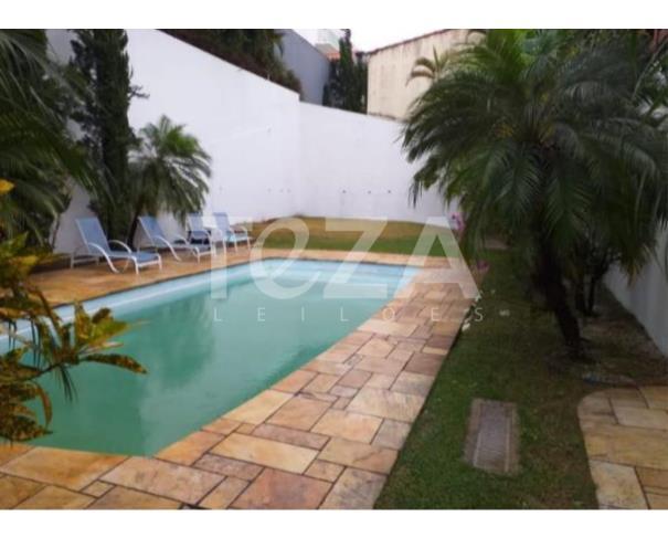 Foto de  IMÓVEL RES. A. T. 735M² EM COND. FECHADO - COTIA/SP
